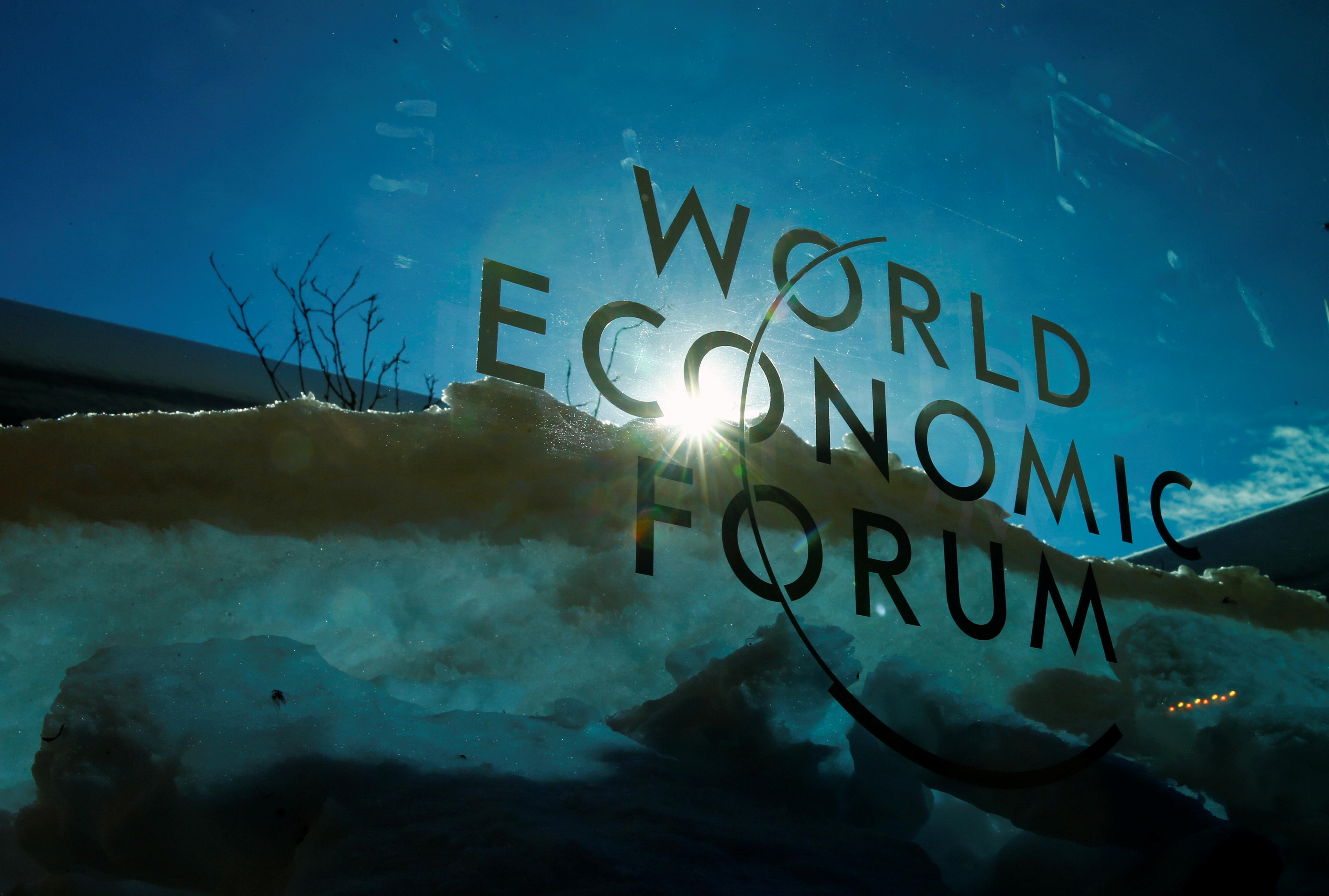 Fiscal crises biggest risk to global business, WEF says