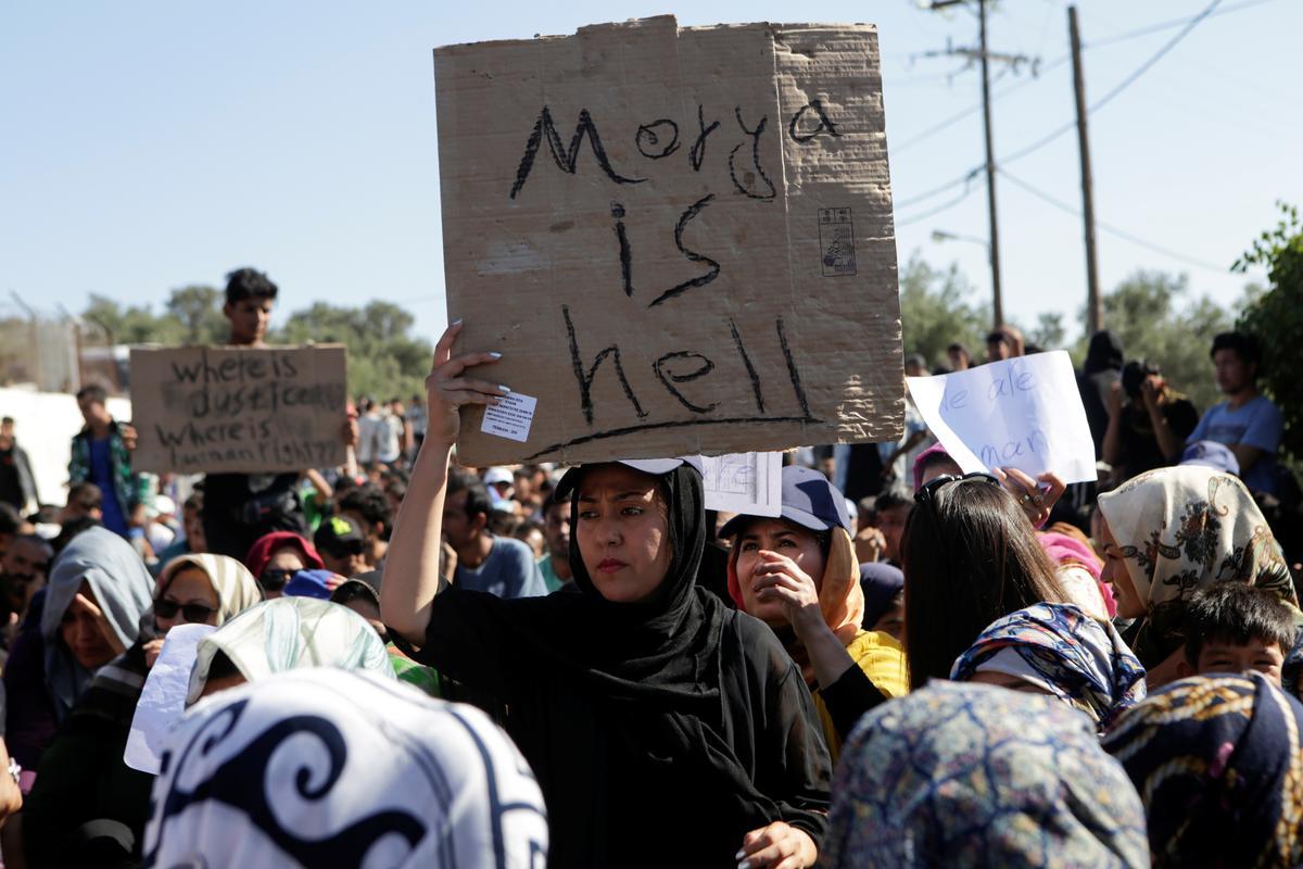 'Moria is hel': asielsoekers protesteer toestande in die Griekse kamp