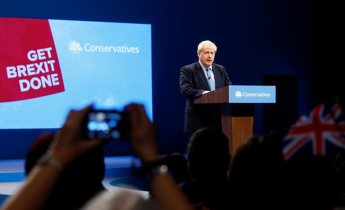 Die Britse premier, Johnson, bied die finale Brexit-aanbod aan en verwelkom die EU versigtig