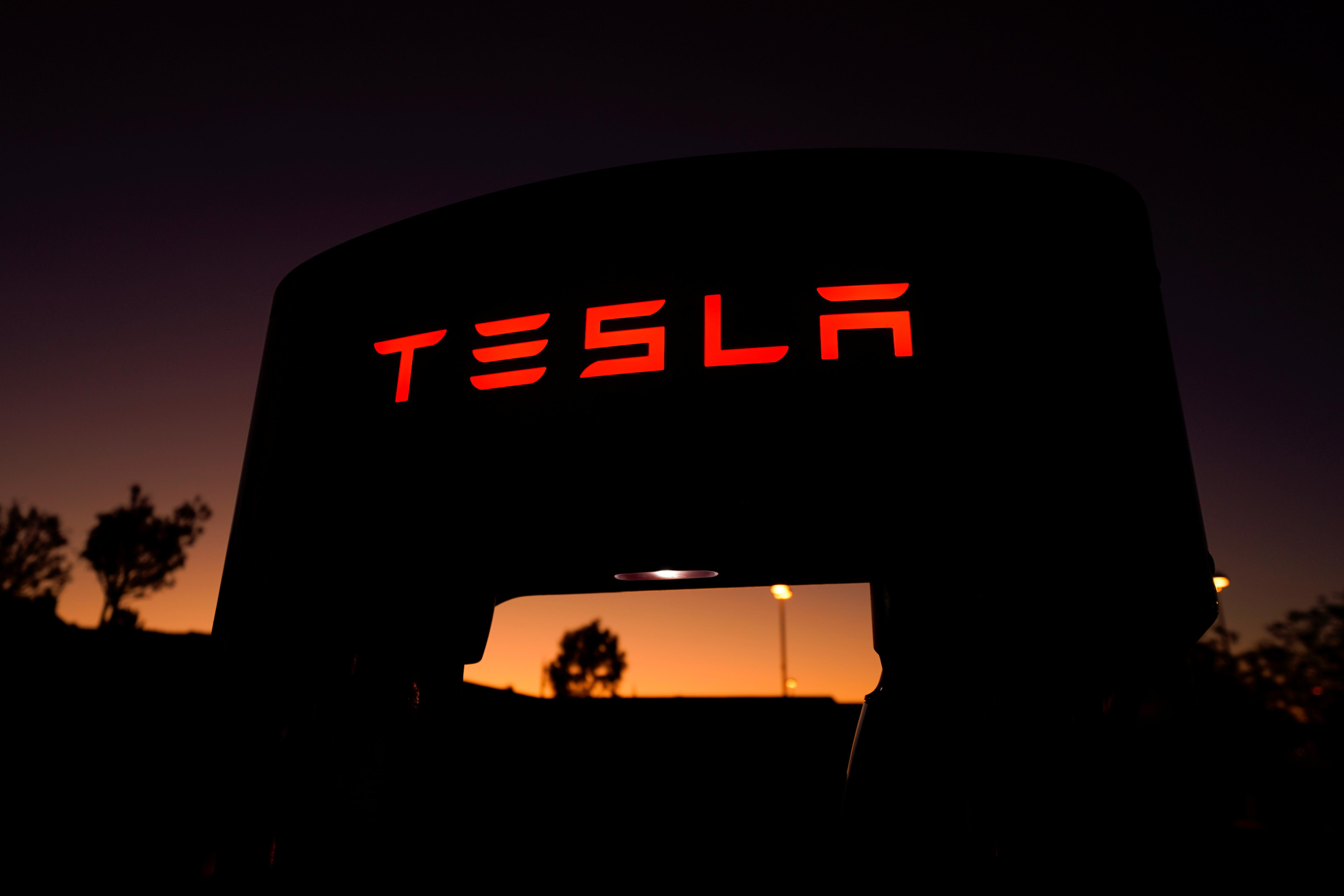 Troubles with Tesla's automated parking summon safety regulators