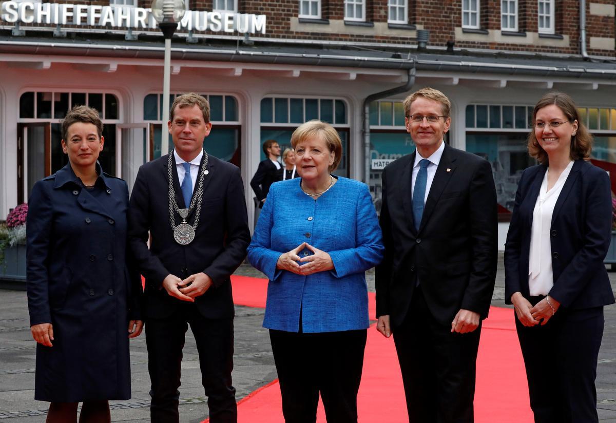 Merkel waarsku op die herdenking van die Duitse hereniging teen rassisme