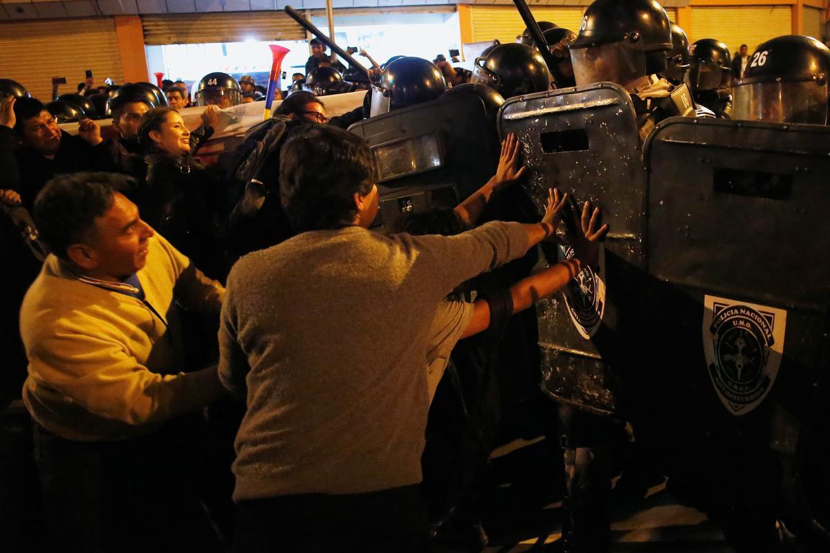 Ecuador verklaar noodtoestand te midde van betogings