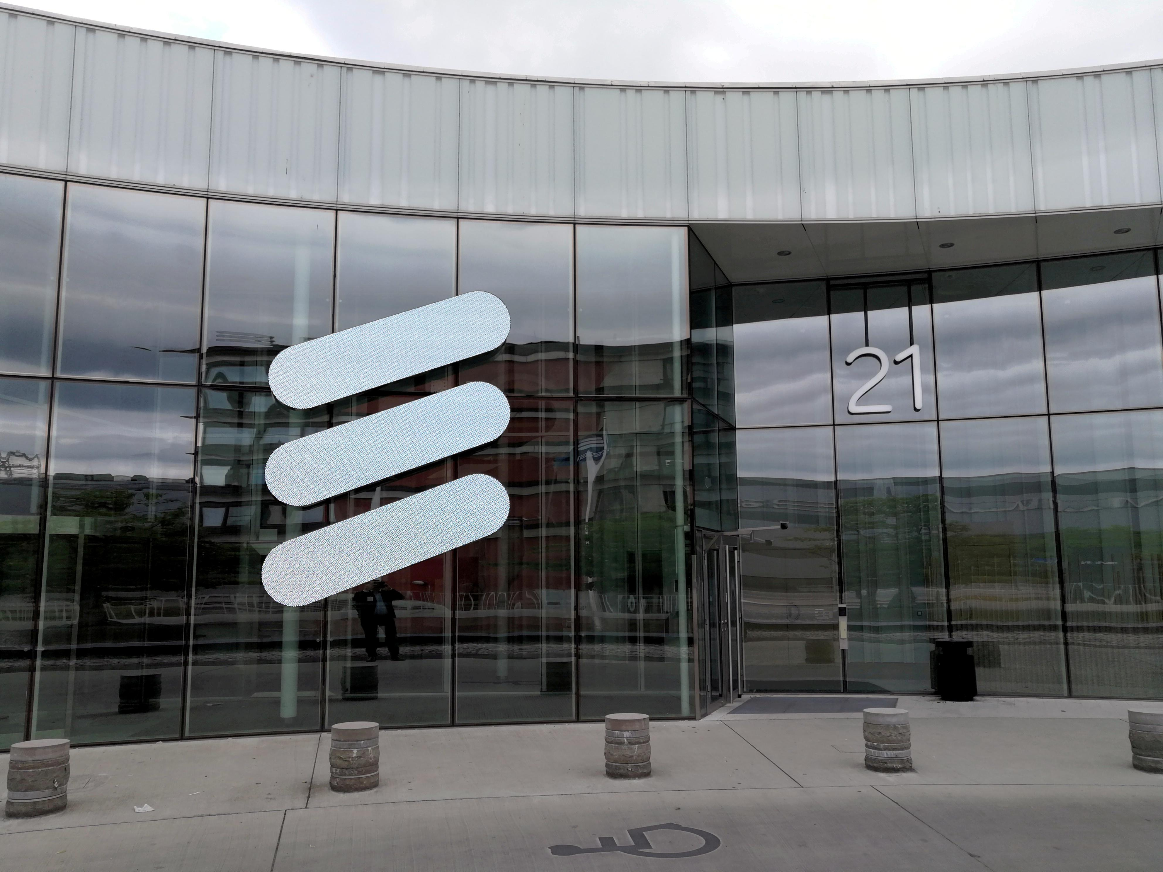 Ericsson earnings top forecast as 5G takes off