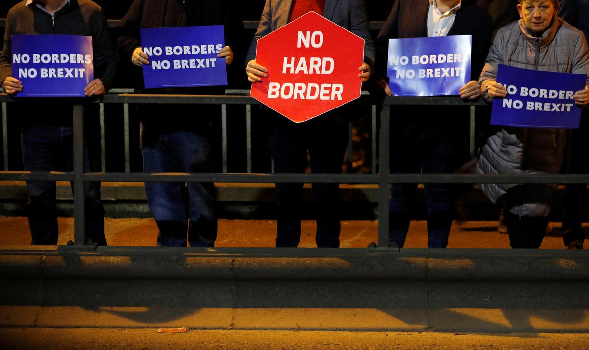 Brexit up in the air as key Northern Ireland party refuses to back draft