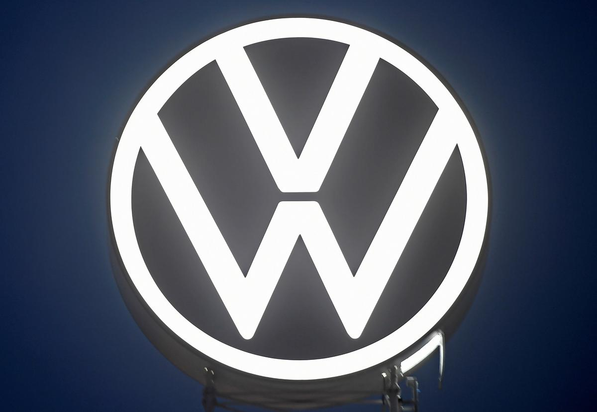 Volkswagen gets more time from U.S., auditor to comply with diesel...