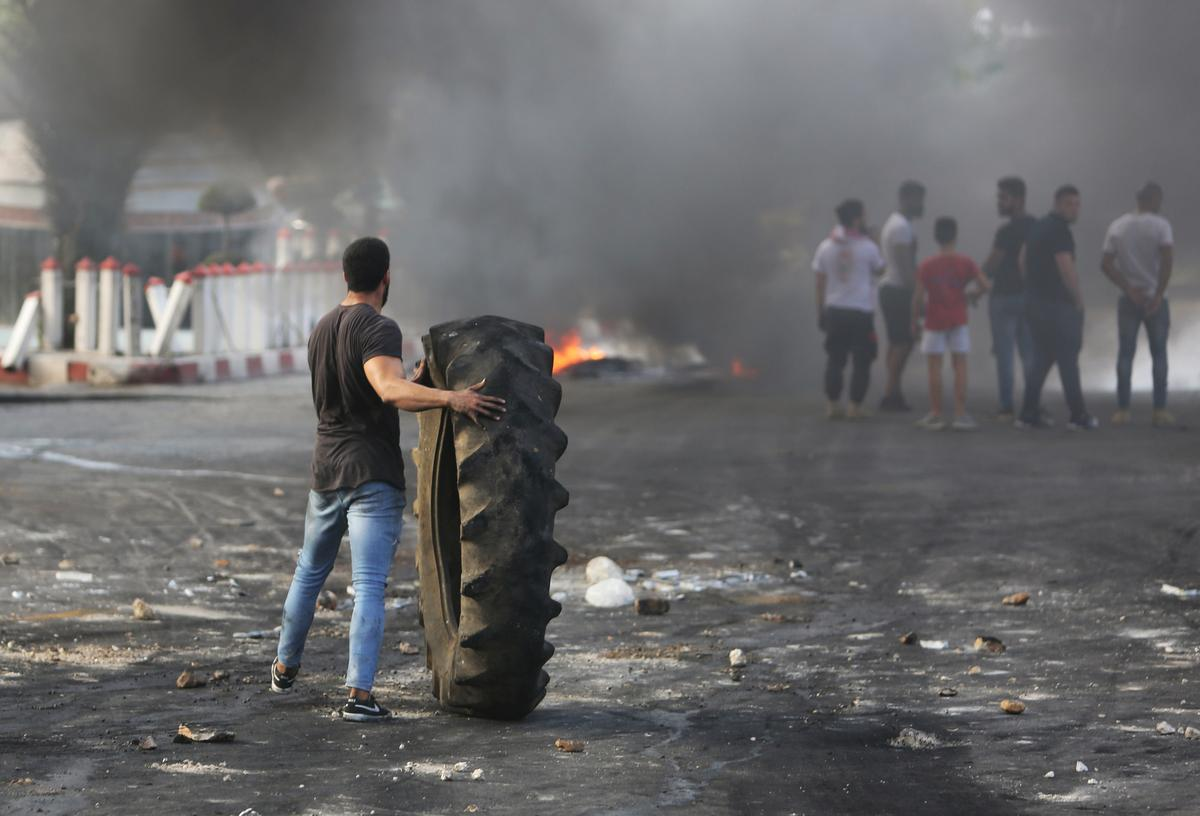 Protests grip Lebanon as fury at ruling elite, corruption grows