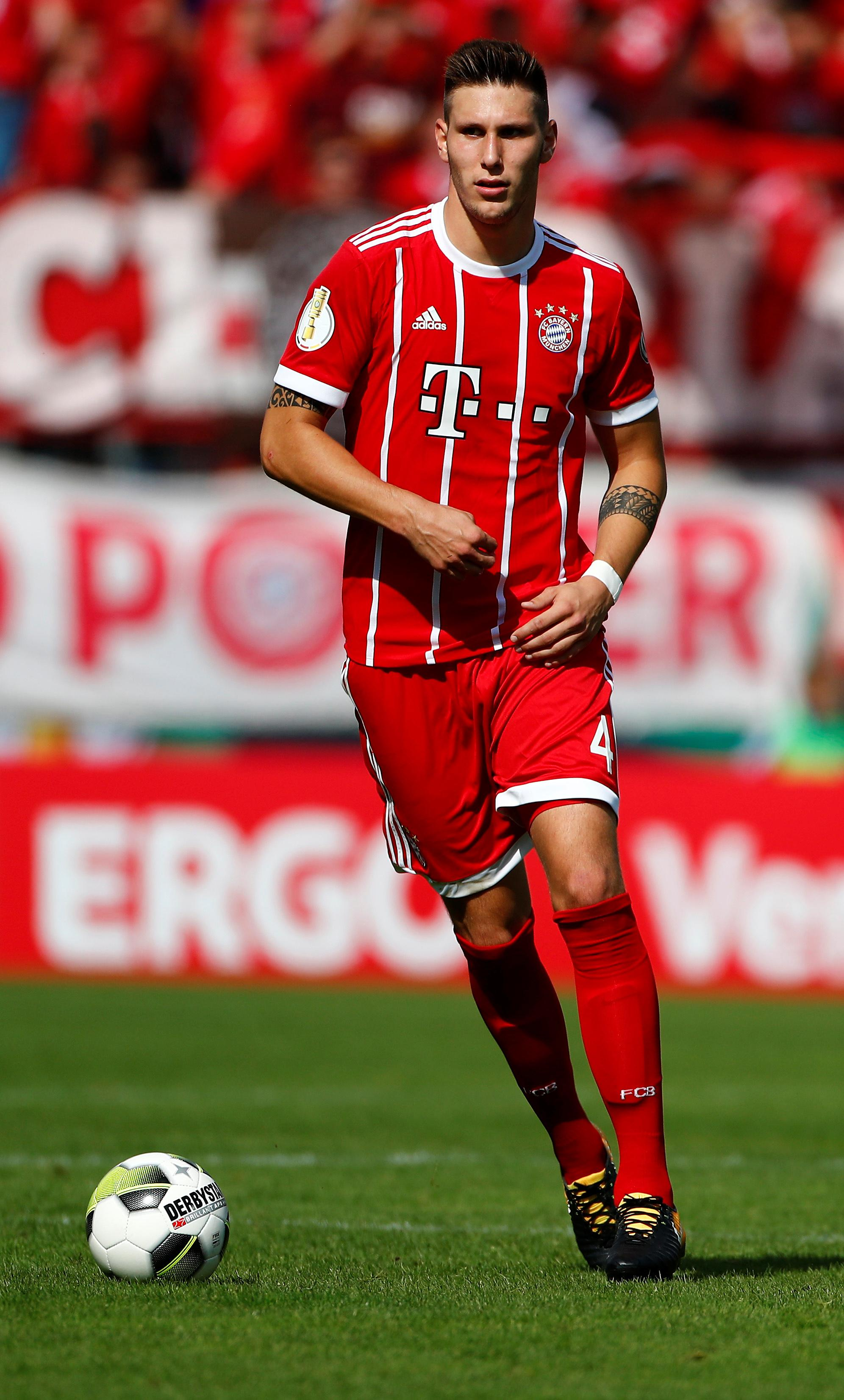Bayern defender Suele sidelined with torn cruciate ligament