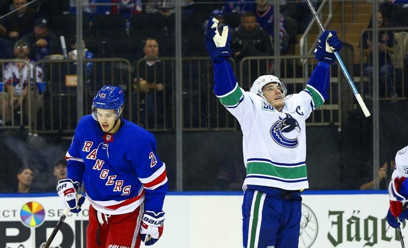 Bilan de la LNH: Les Canucks ont trois points en 1ère place, battant les Rangers