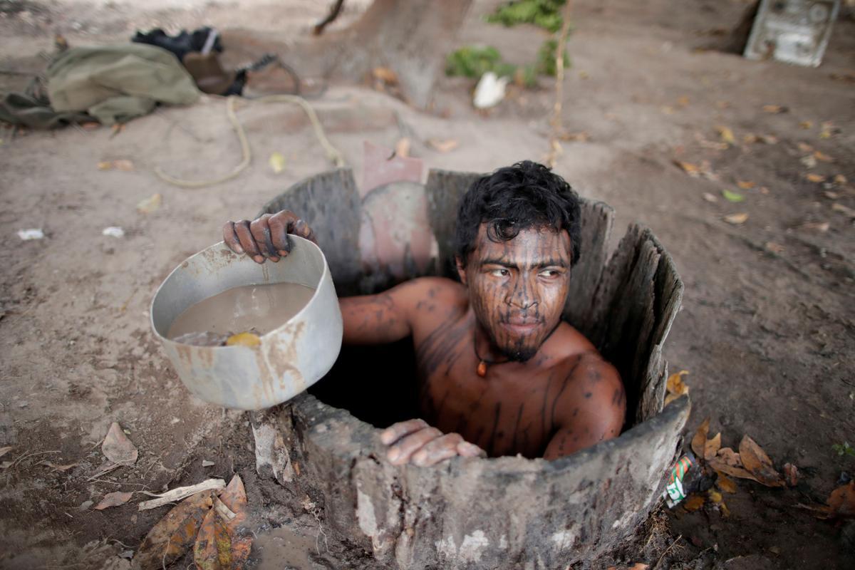 Amazon Warriors Fotos illegal loggers kill amazonia amazon warriors guarding the