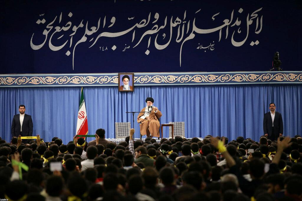 Khamenei scorns Macron for trying to arrange U.S. - Iranian talks