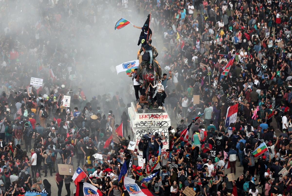 Chileans debate in the streets in 'first act of revolution' to determine their future