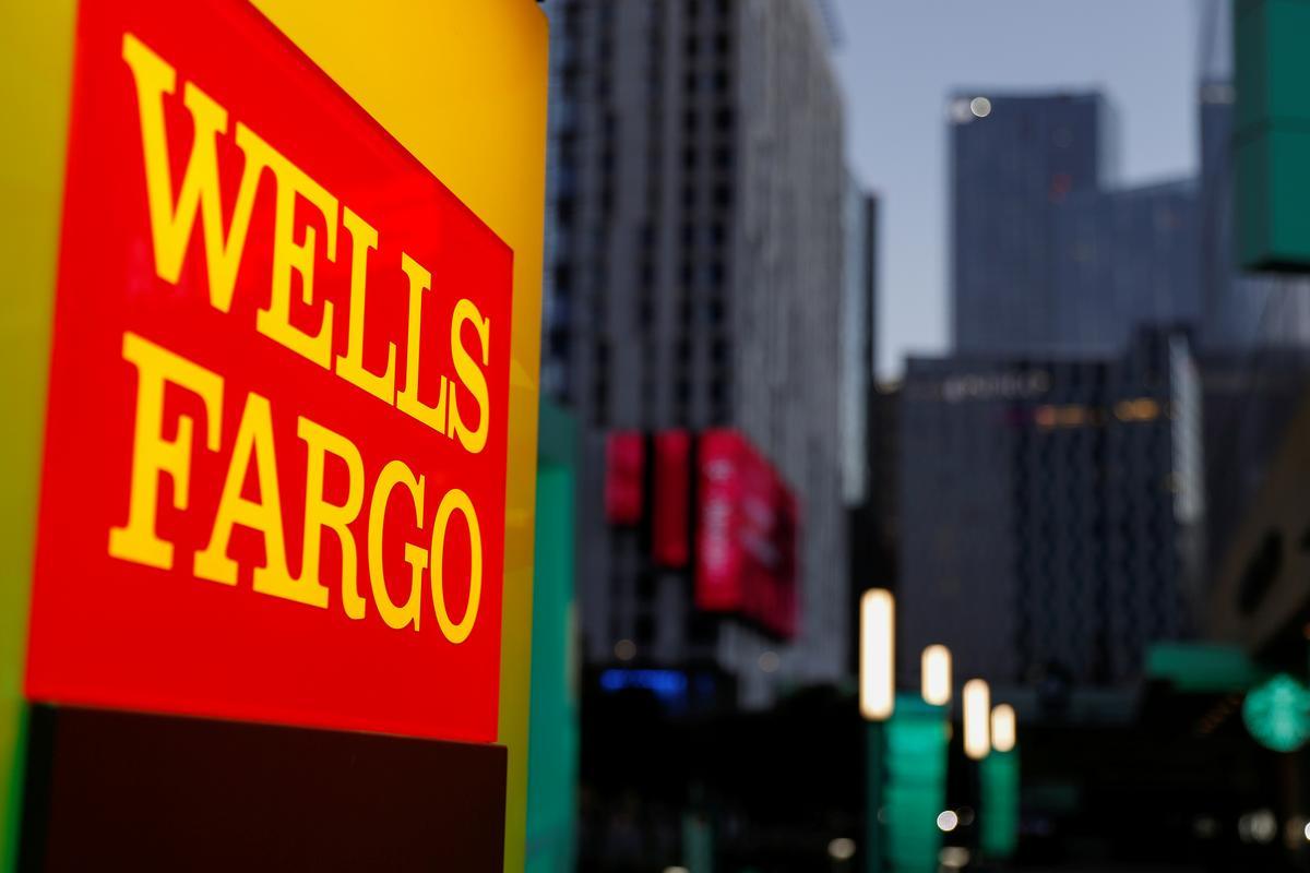 U S Cftc Orders Wells Fargo To Pay 14