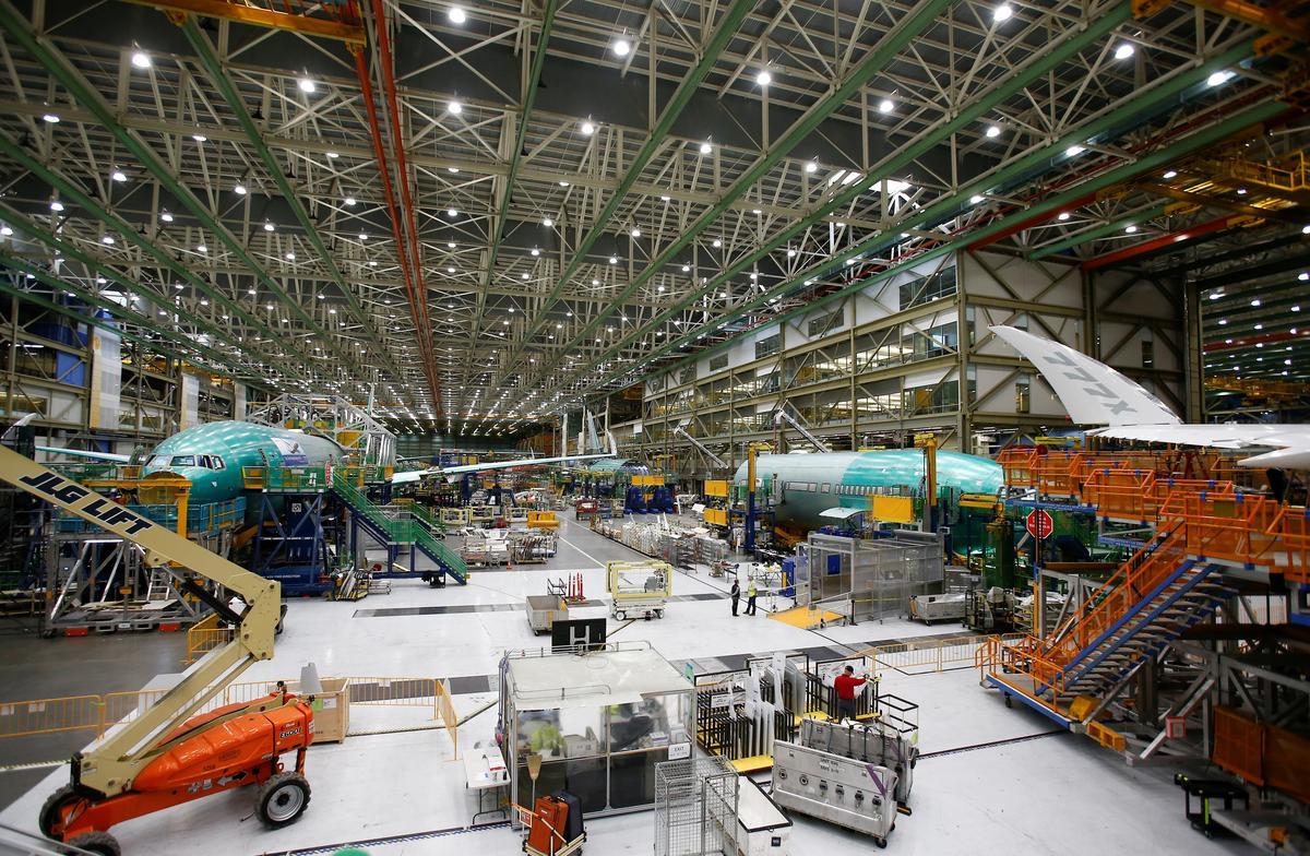 Boeing 777X fuselage split during September stress test