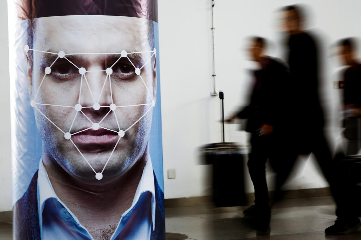 China's facial recognition rollout reaches into mobile phones,...
