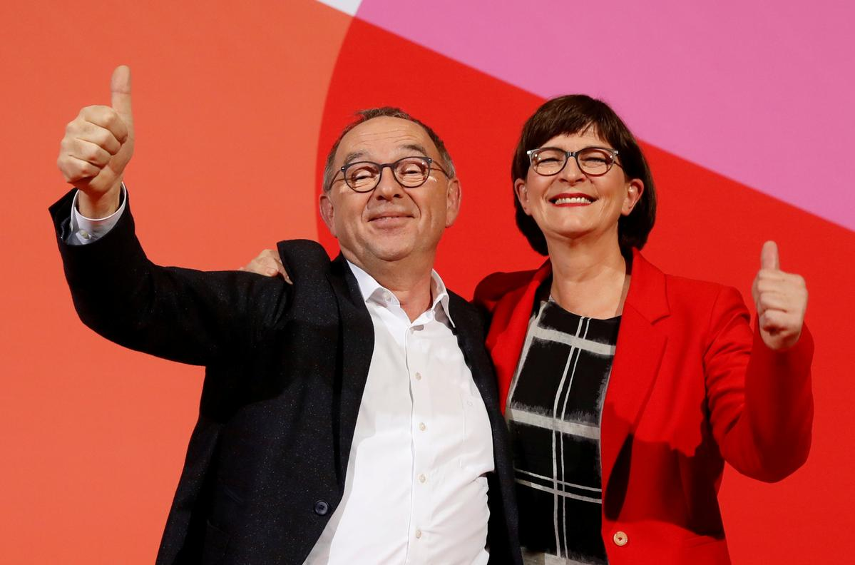 New SPD leaders pull back from sinking German coalition