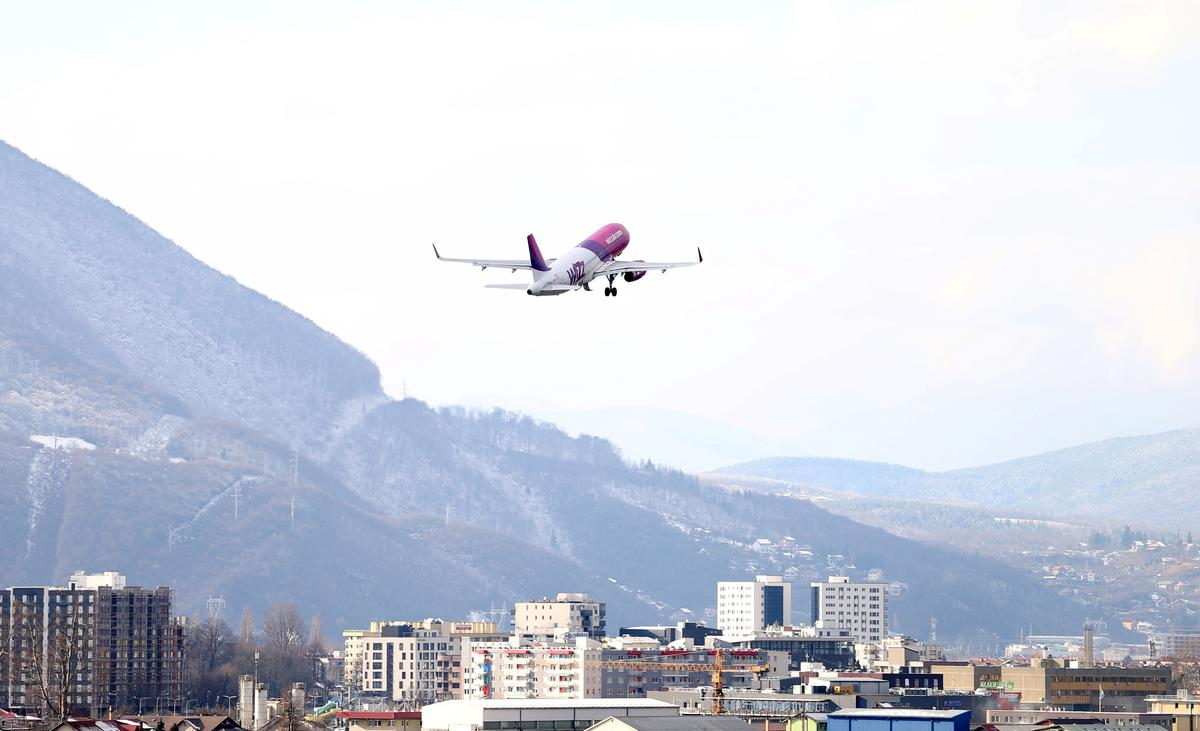 Post-war Bosnia to take full control of air space for first time