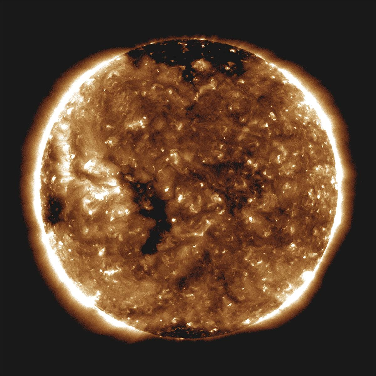 NASA's probe soaring near sun reveals surprises about solar wind