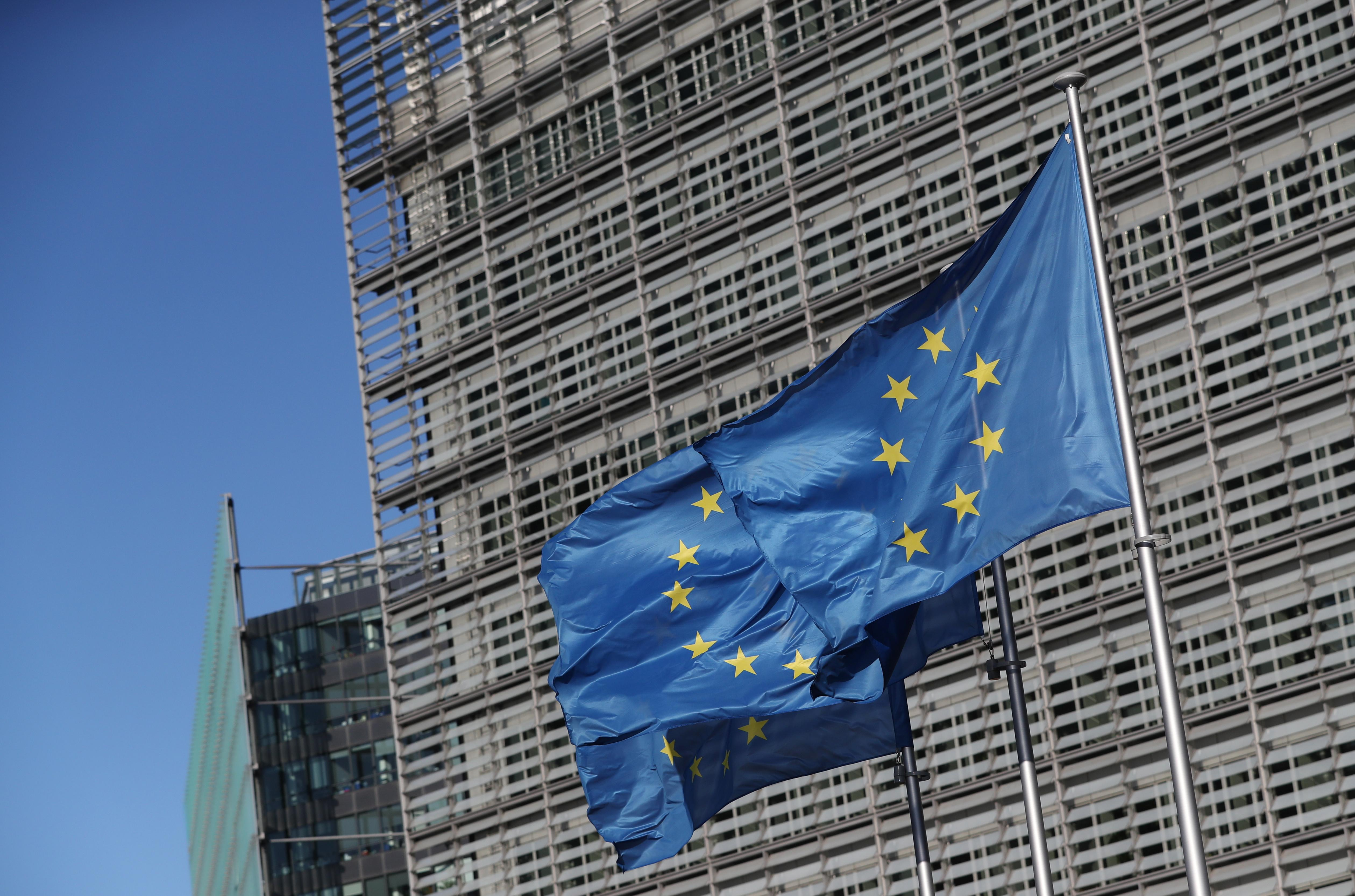 Italy readies banking union proposals after winning ESM delay