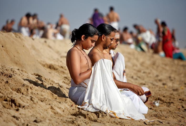 Tsunami victims remembered on 15th anniversary in Tamil Nadu