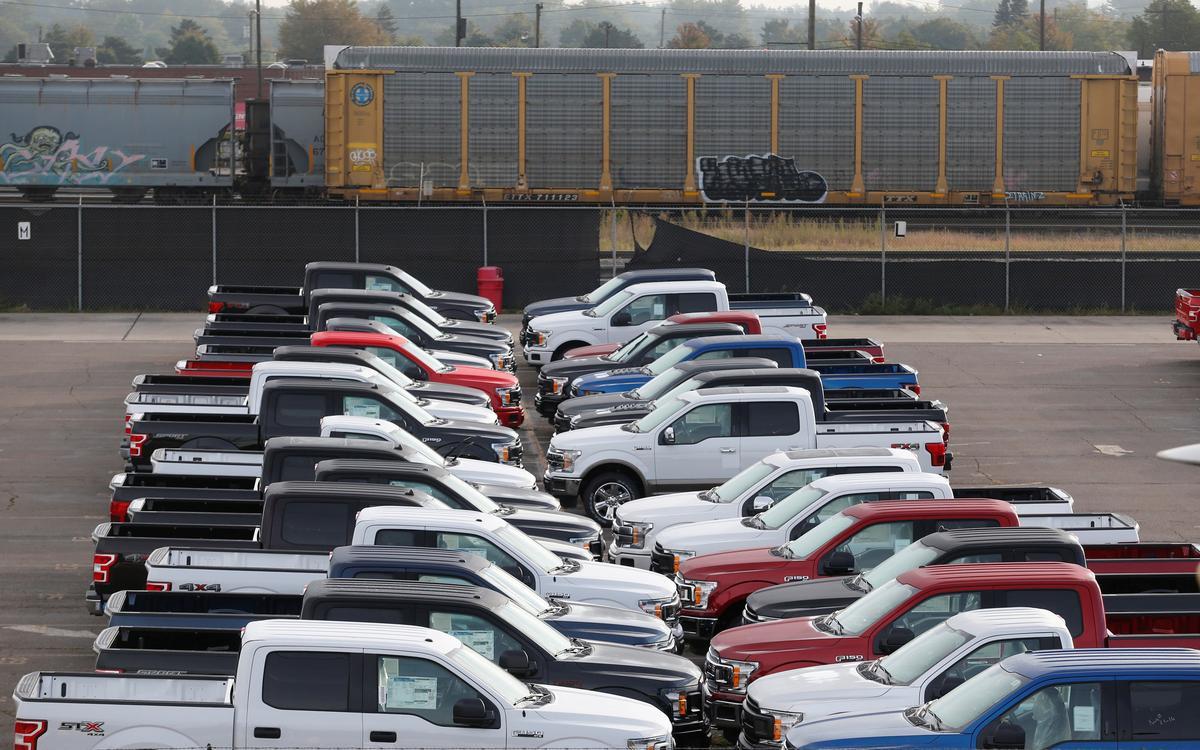 Discounts fuel U.S. pick-up truck sales in a slowing market
