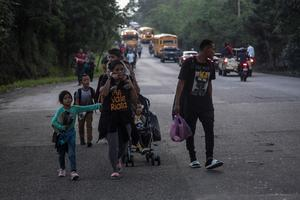 Hundreds leave Honduras en route to U.S.