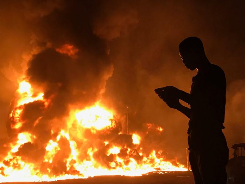 Pipeline fire kills three in Lagos - Reuters witness