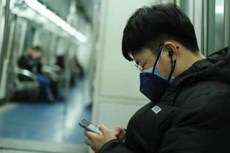 WRAPUP 6-China scrambles to contain 'strengthening' virus