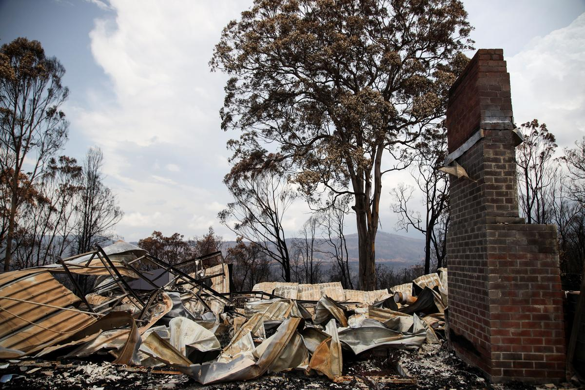 Australia's rainy respite from bushfires seen ending