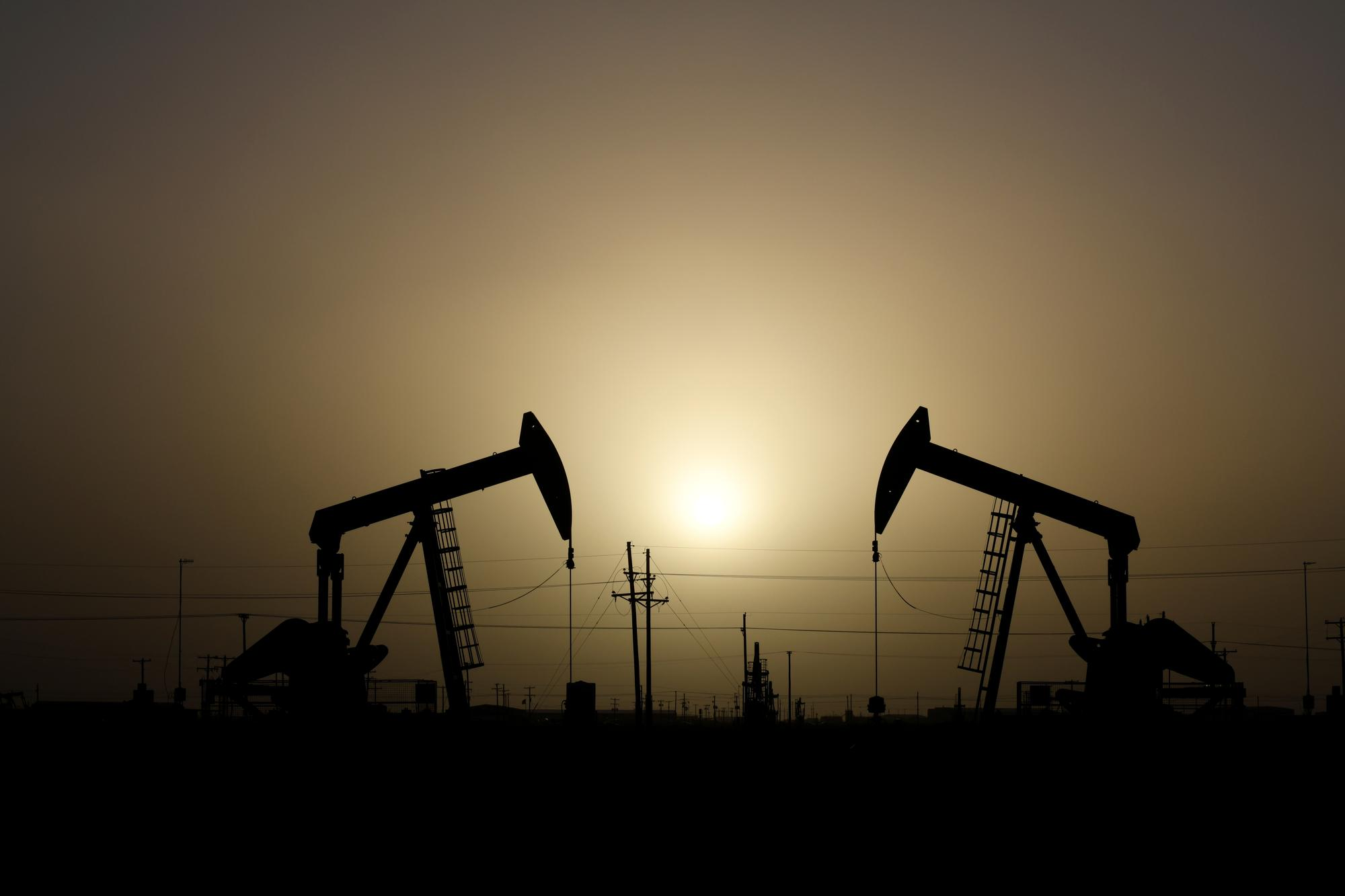 Oil drops below $60 as China virus stokes demand concern