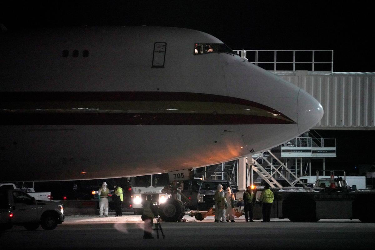 U.S., Japan pull nationals from China virus city, huge economic hit...