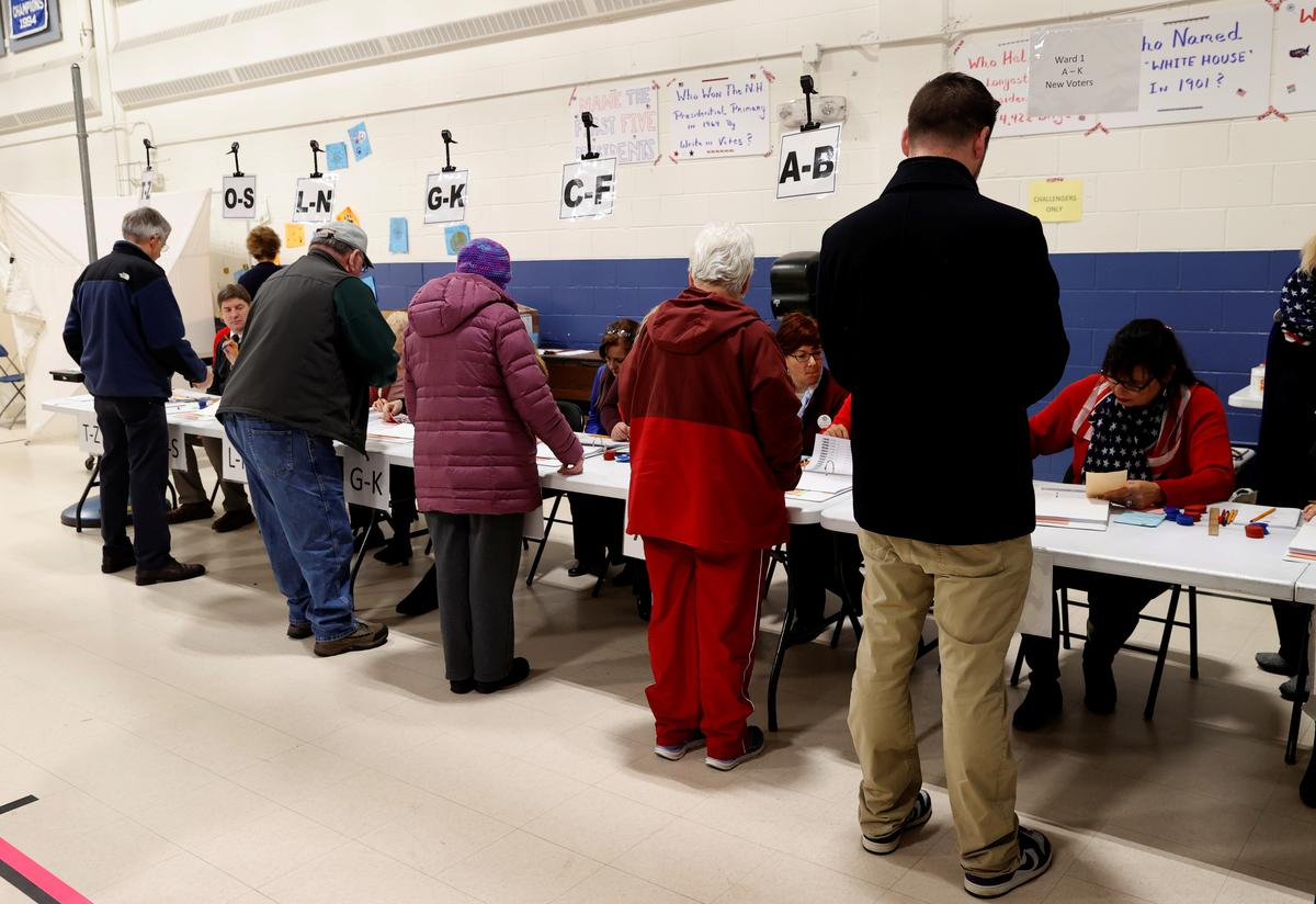 'It feels good out here,' Democrats make final pitch as New Hampshire votes