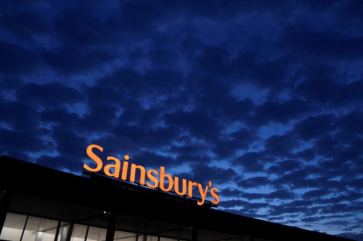 Sainsbury's Bank chairman Davis to step down