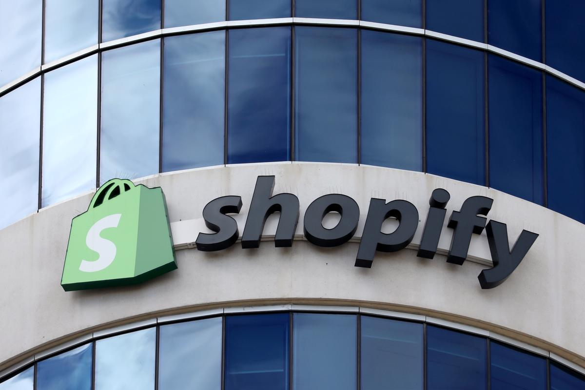 Shopify forecasts full-year revenue above estimates, shares rise