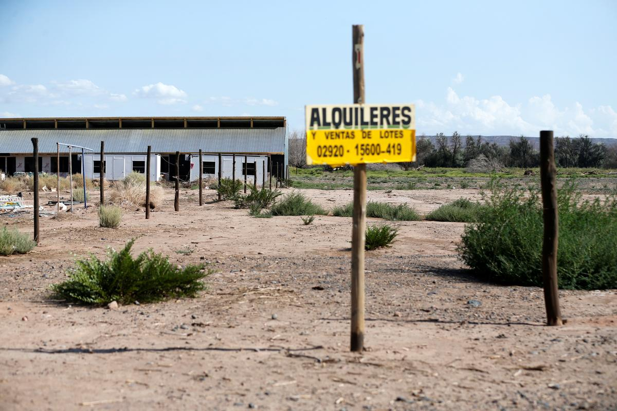Argentina's energy bust spawns 'ghost town' in prized Vaca Muerta