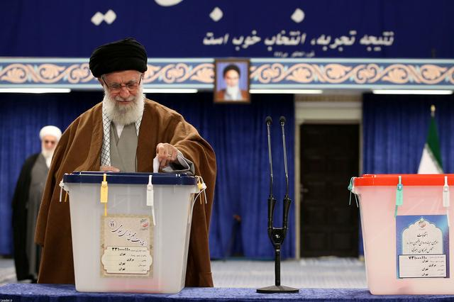 Iran's Supreme Leader Ayatollah Ali Khamenei casts his vote at a polling station during parliamentary elections in Tehran, Iran February 21, 2020.Official Khamenei website/Handout via REUTERS