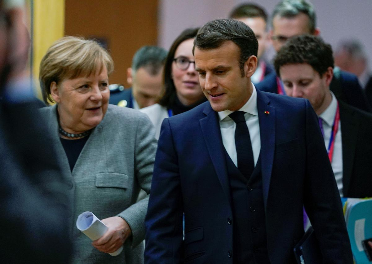 Deadlock at EU budget summit as rival camps dig in