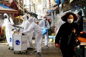 World races to contain coronavirus