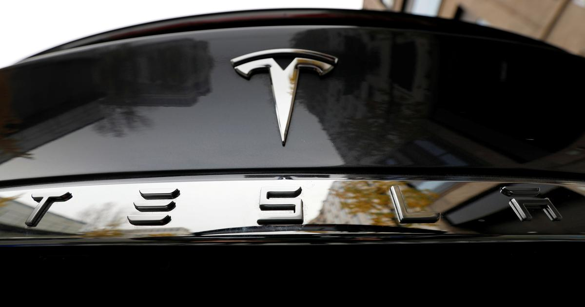 Tesla shares slump as coronavirus hits China car registrations