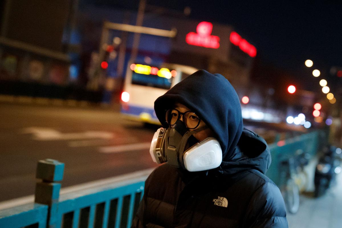 New coronavirus cases in mainland China fall to lowest since January
