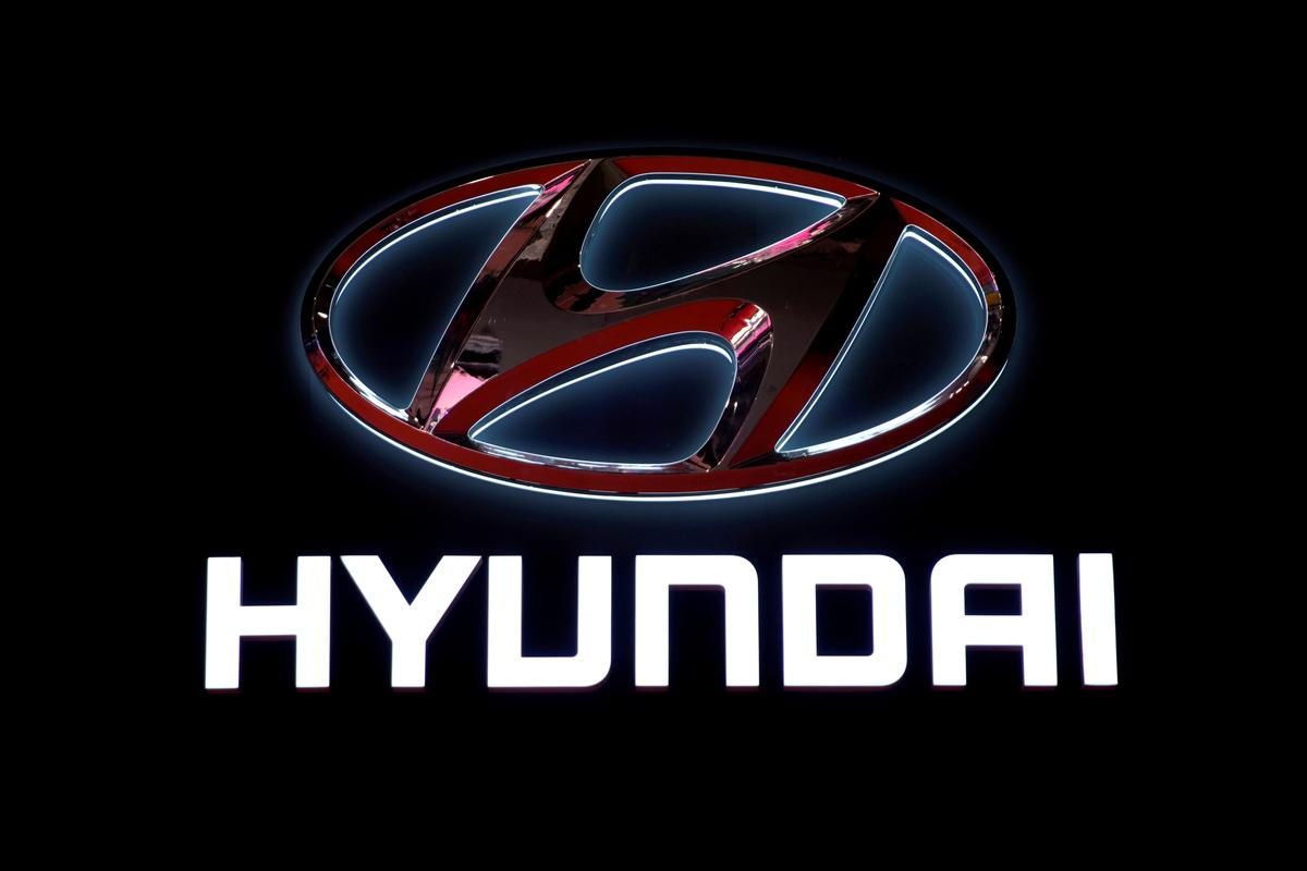 Hyundai suspends output at one factory after worker tests positive for coronavirus: source