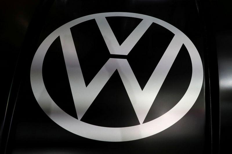 VW offers to buy out minority shareholders in Audi