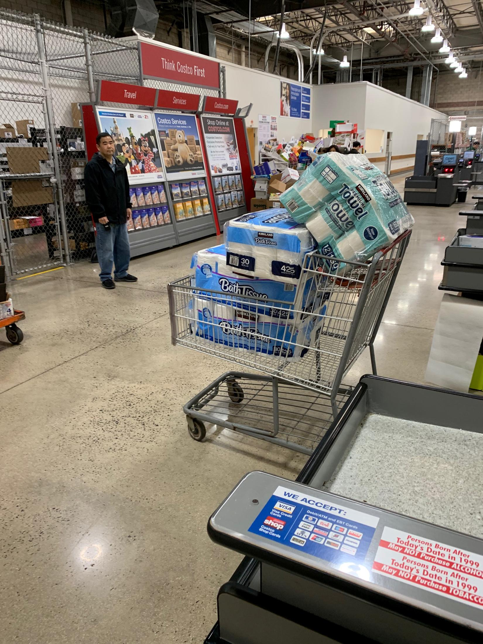 Hoarding In The Usa Coronavirus Sparks Consumer Concerns Reuters