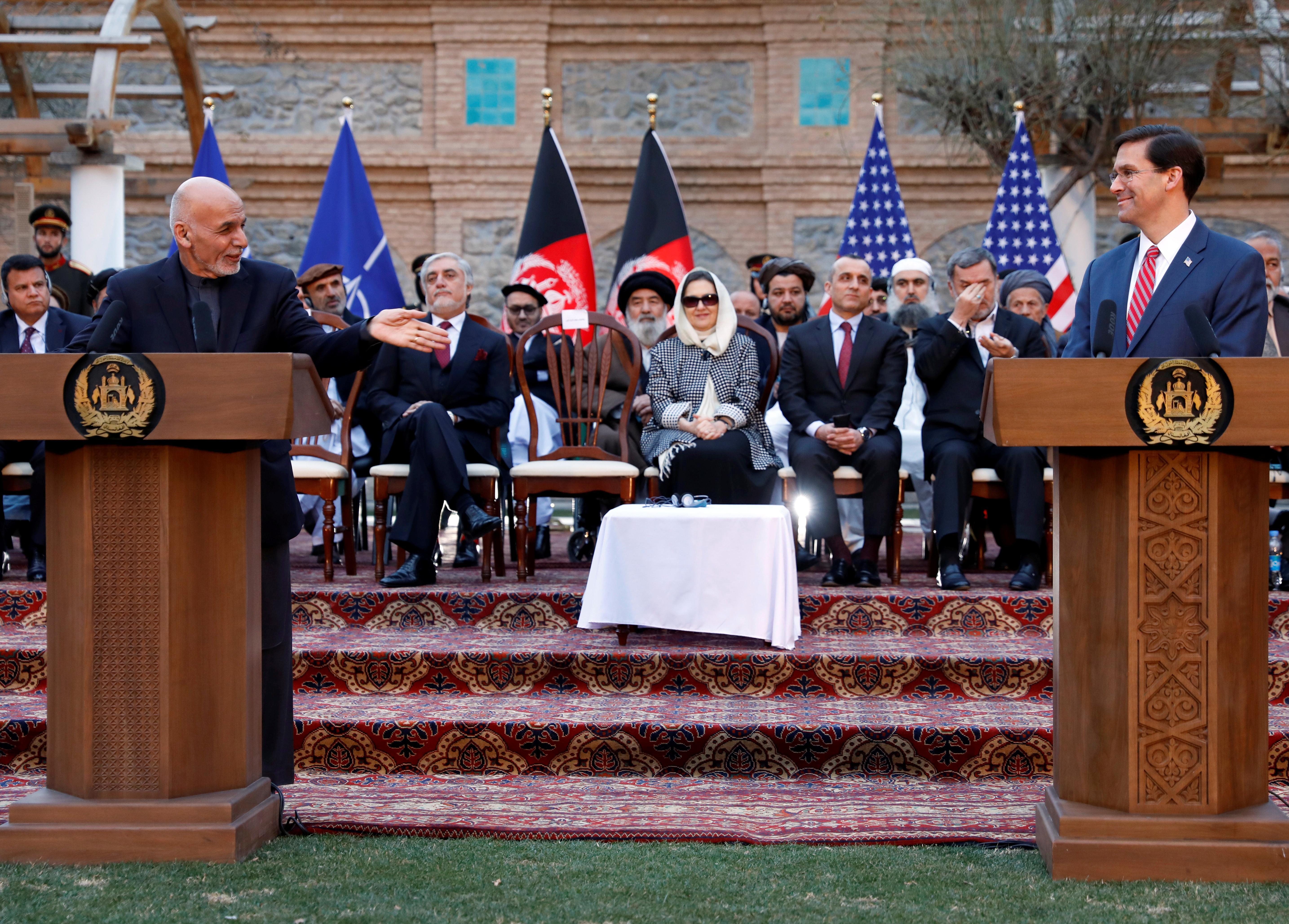 Les États-Unis et les Taliban signent un accord de retrait des troupes; vient maintenant la partie difficile