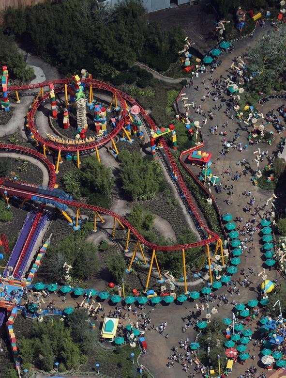 ДО: Земля Истории игрушек в Голливудских Студиях Диснея в Орландо, Флорида, 15 марта 2020 года. РЕЙТЕР / Грегг Ньютон
