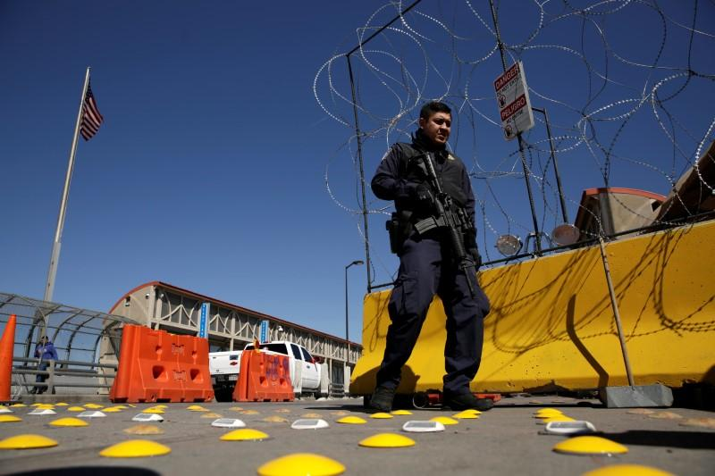 U.S. to swiftly remove migrants caught crossing borders illegally to limit spread of coronavirus