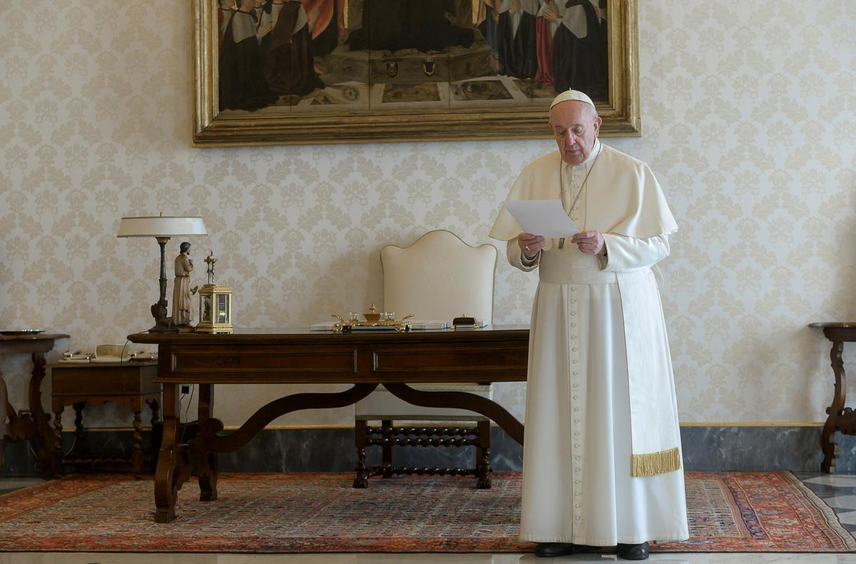 Pope, world's Christians join in prayer to end coronavirus