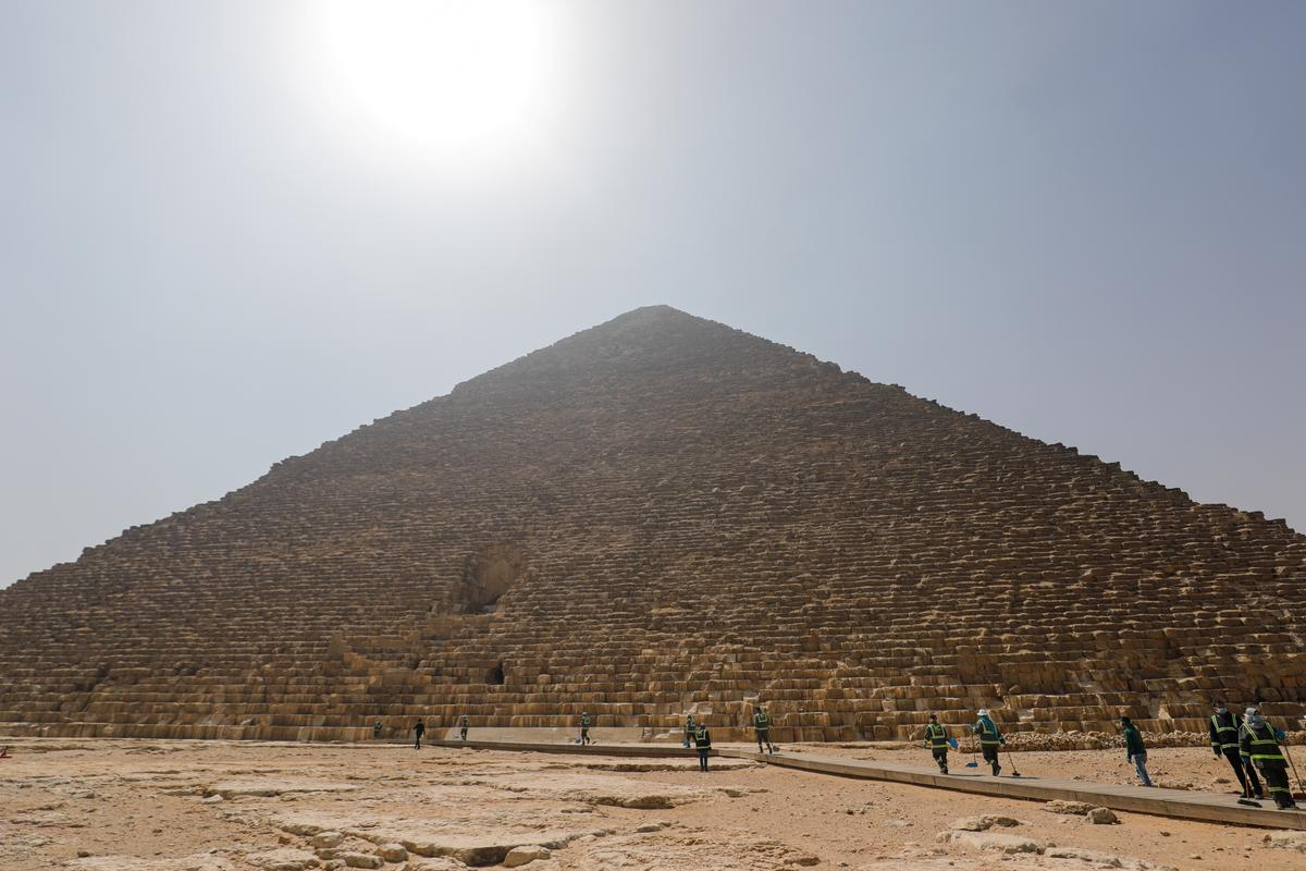 Egypt deep cleans pyramids site emptied of tourists