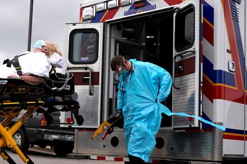 U.S. coronavirus death toll tops 10,000