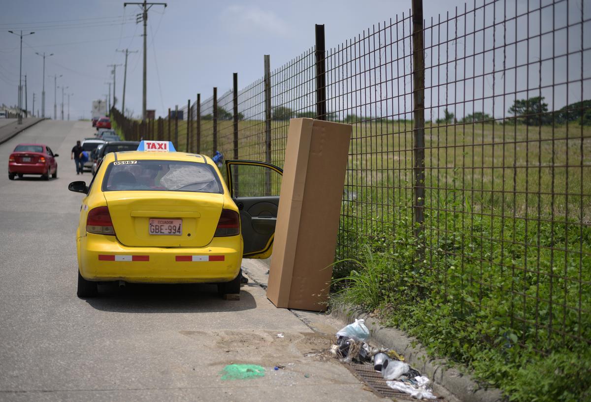 Ecuadorean prisoners to manufacture coffins as coronavirus creates shortage