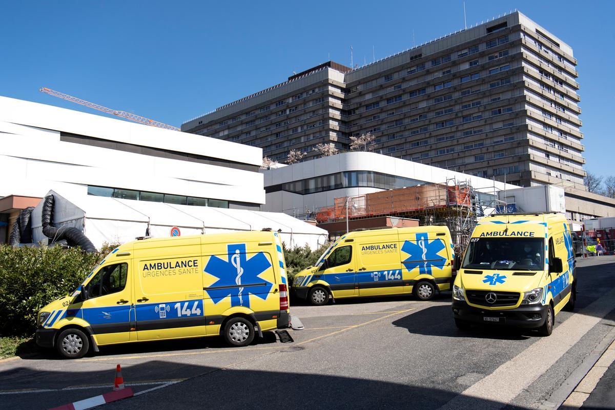 Swiss coronavirus death toll passes 800, positive tests top 24,000